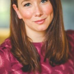 Dr Claire  Raisen