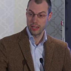 Dr Claudio  Köser