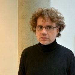 Dr Hugo  Leal