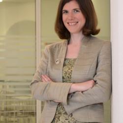 Professor Elizabeth  Murchison