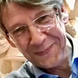 Dr Hendrik W.  van Veen
