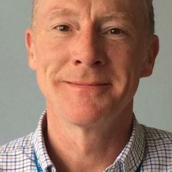 Dr Ian  Brierley