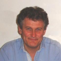 Dr Mark  Carrington