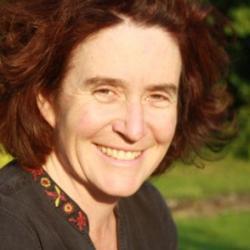 Dr Romola   Davenport